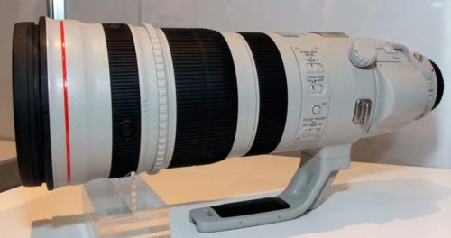 canon-200-400mm-zoom-lens
