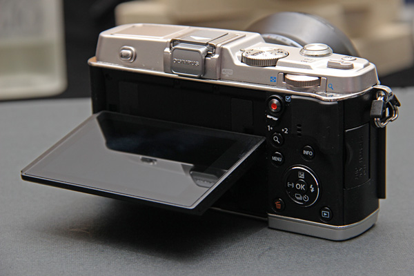 Olympus-PEN-E-P5-camera-back