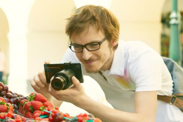 Sony-DSC-QX100_lens-camera
