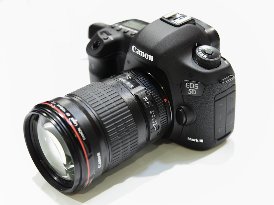 Canon's 50MP DSLR, the EOS 3D will be positioned between the EOS-1D ... Canon