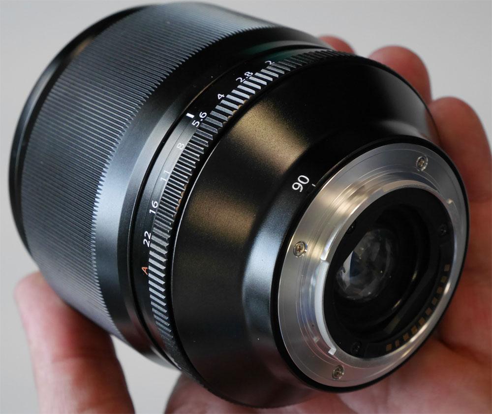 Fuji-xf-90mm-f2
