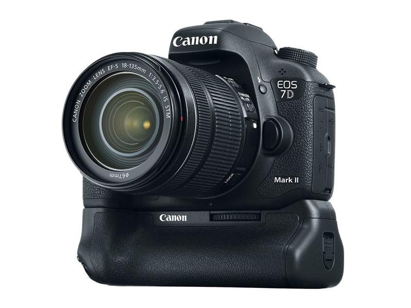 canon-eos-7d-mark-ii-dslr-camera-05