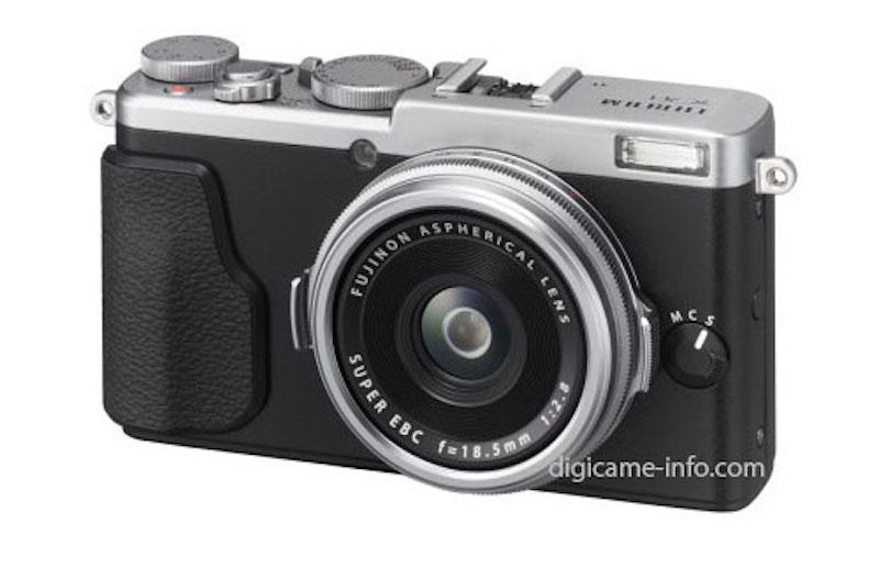 Fuji-X70-camera-silver-image
