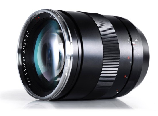 Zeiss-135mm-f2-Apo-Sonnar-T-ZE-Lens-for-Canon