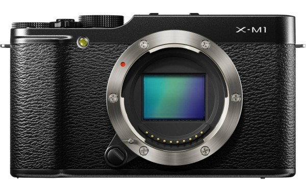 Fujifilm-X-M1-mirrorless-camera-01