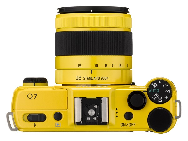 Pentax-Q7-camera_top