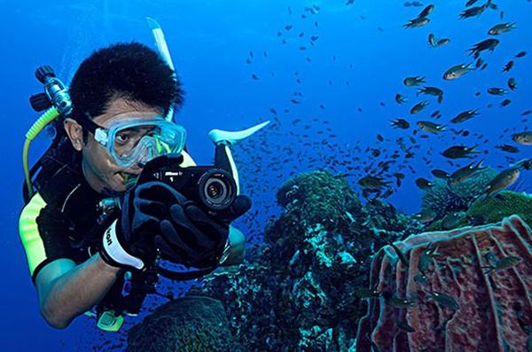 Nikon-1-AW1-hands-on-videos