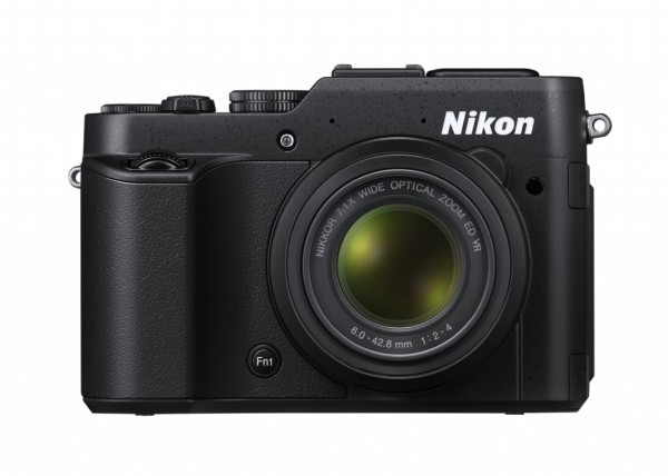Nikon-COOLPIX-P7800-01