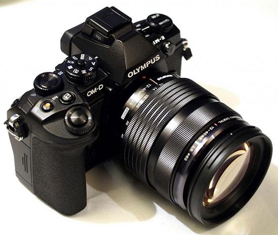 Olympus-E-M1-M.ZUIKO-DIGITAL-ED-12-40mm-f2.8-PRO-lens