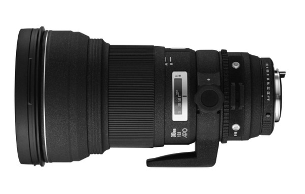 sigma-300mm-f2.8-ex-dg-if-hsm-apo