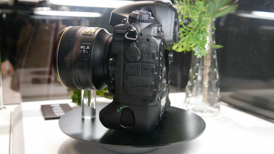 Nikon-D4S-cp-2014-00