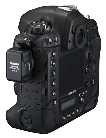 Nikon-D4s-with-WT-5-wireless-transmitter