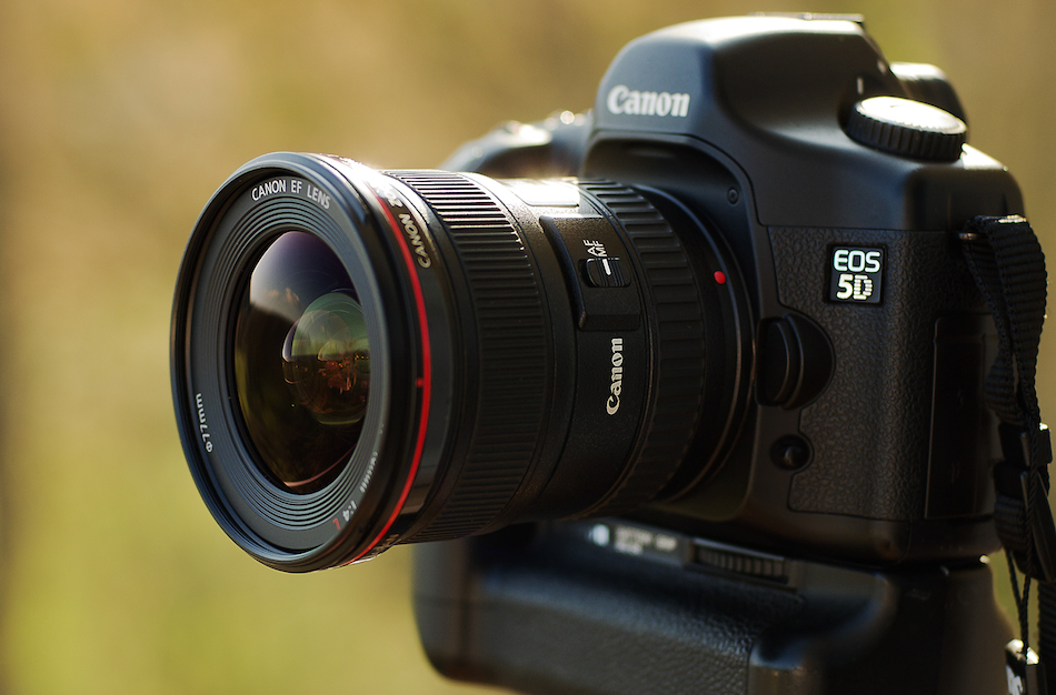 New Canon f/2.8 wide-angle zoom lens is in development