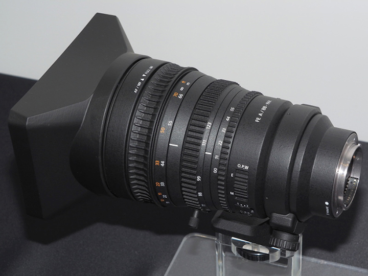 sony-fe-pz-28-135mm-f4g-oss-lens-displayed-in-japan
