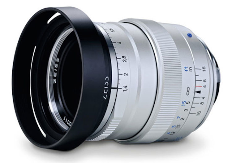 Zeiss-Distagon-T-1435-ZM-lens-silver