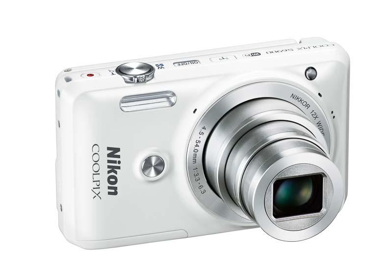 nikon_coolpix_s6900-compact-selfie-00