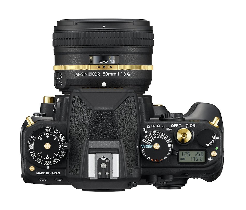 nikon-df-gold-edition-01