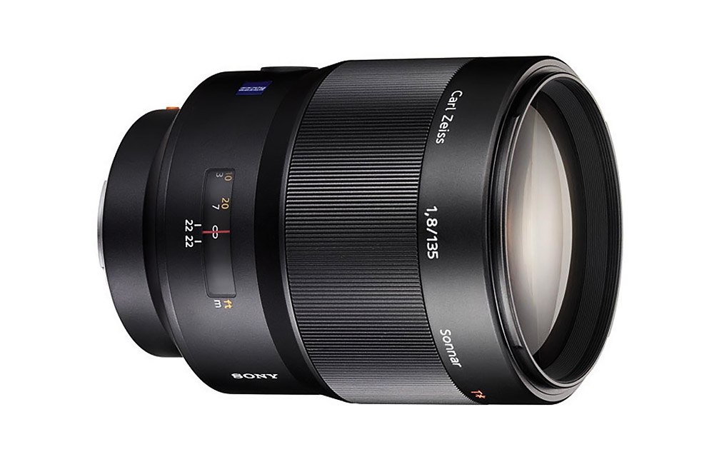 sony-rumored-to-update-the-135mm-f1-8-85mm-f1-4-a-mount-prime-lenses-soon