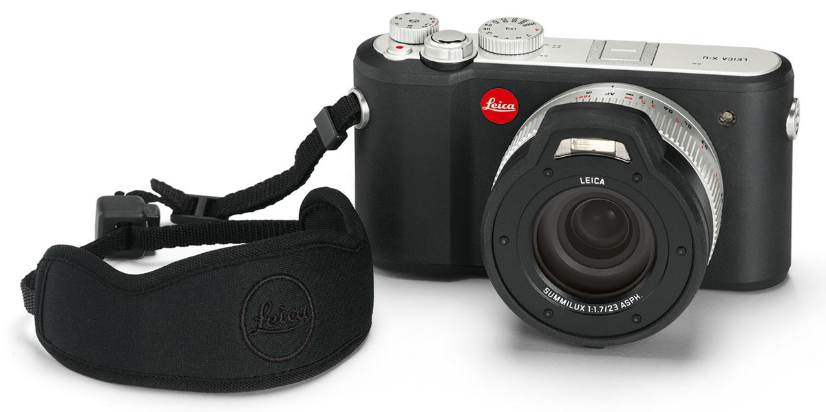 Leica_X-U_floating-carrying-strap