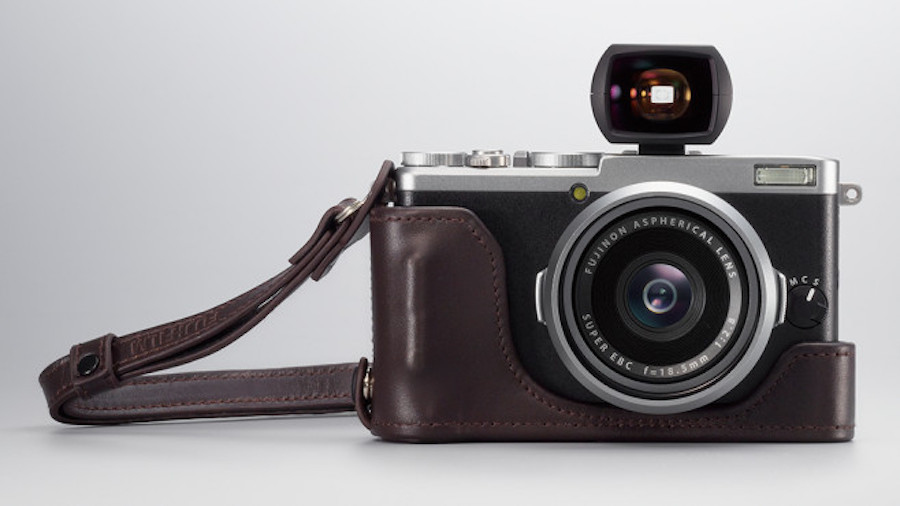 first-fujifilm-x70-reviews-and-samples
