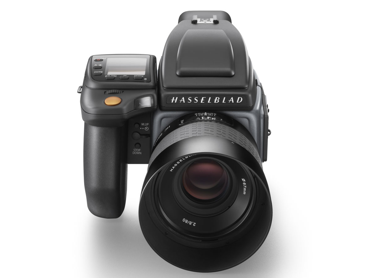Hasselblad H6D 100MP medium format camera announced